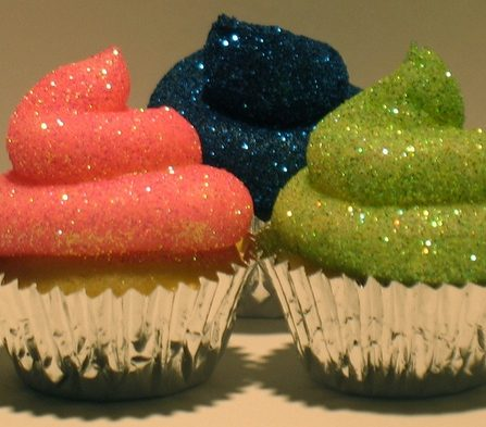 glitter-frosting-cupcakes